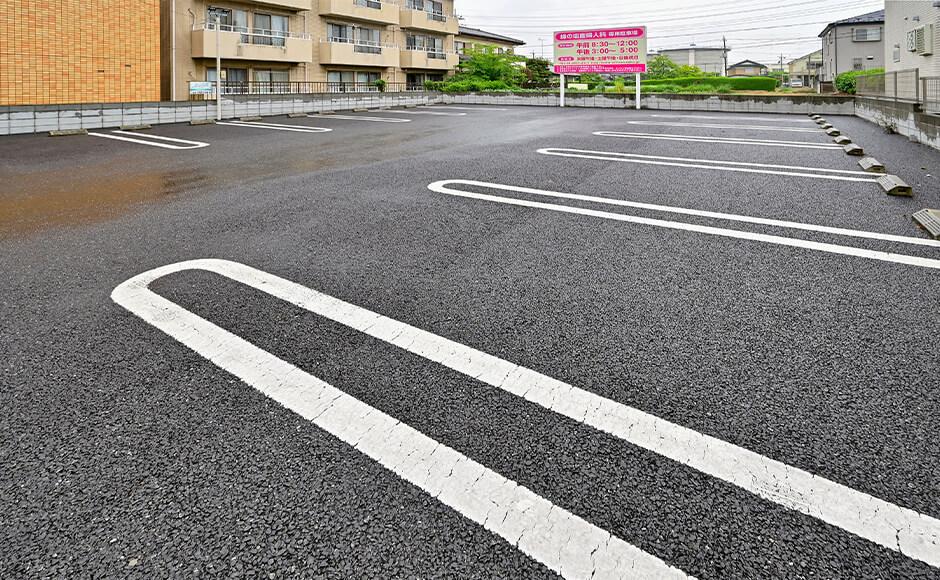 外部駐車場(13台)